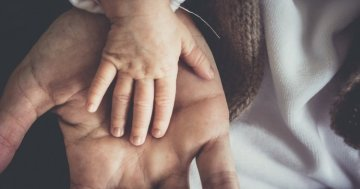 EU institutions reach agreement on a right to at least 10 days of paternity leave